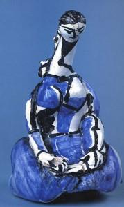 Pablo Picasso : Femme agenouillée, 1950. Tanagra. Bouteille en terre cuite blanche. Pièce tournée et modelée. Musée Picasso Paris